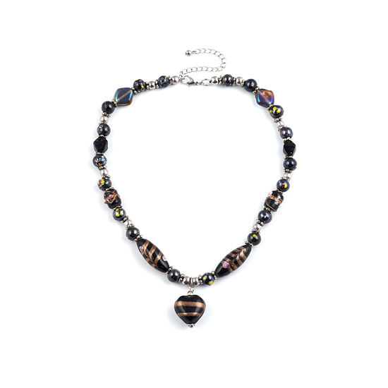 Look East Caramel Heart Necklace - Black